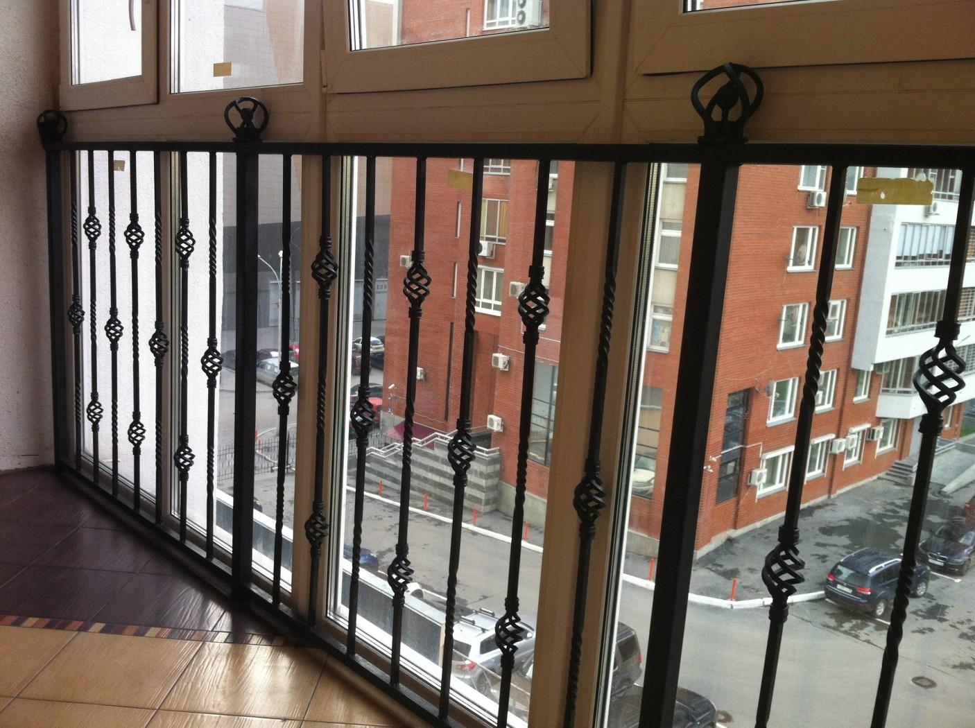 Ограждение для балкона из металла . цена - договорная., свер.